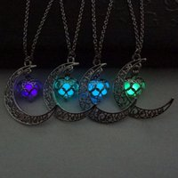Wholesale- Fashion Luminous Glow In the Dark Pendent Necklac...