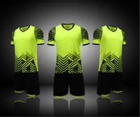 Toptan Moda Boş Futbol Formaları Setleri, 2017 Yeni Erkek Özelleştirilmiş Futbol Şort, Eğitim Jersey Kısa, Erkekler Özel Takım Formaları