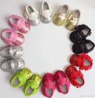 Детские кисточкой первая прогулка обуви блестка мокасины мягкая подошва искусственная кожа первый ходунки обувь Baby новорожденных яркий золотой бахромой малыша обувь F350