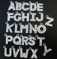 Bijoux fantaisie 130pcs / lot 12mm A-Z strass lettre accrocher pendentif charme diy alphabet fit pour bracelet en cuir