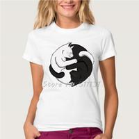 Venta al por mayor- Divertido Novedad YIN YANG GATOS Diseño T shirt mujer / Lady Fashion Casual Negro / Blanco Gato Animal de manga corta Tee Tops Ropa