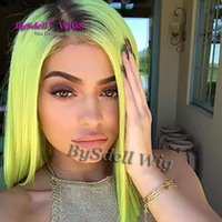 Kylie Jenner Frisur Perücke Lush Ombre Mintgrün Ombre Synthetic Lace Front Perücke Leimlos TwoTone Dark Root / Green Hitzebeständige Lace Perücke