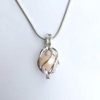 18kgp Hollow Twisted Cage colgante accesorios, puede abrir y mantener perlas gema perlas Helix forma Locket jaulas, accesorios de bricolaje fabricación de joyas