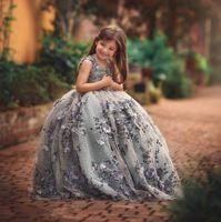 جودة عالية الدانتيل ليتل بنات فساتين مهرجان 3d يزين طفل الكرة ثوب زهرة فتاة اللباس الطابق طول مطرز الأولى بالتواصل أثواب