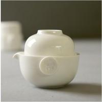 المصنع مباشرة بيع الشاي الأبيض والخزف مجموعة السفر وعاء واحد وكوب واحد سهلة لشرب الشاي الصيني الاسود T106