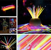 konnektör parti Vokal Konser kullanımı Flash ile çok renkli Glow Stick Bilezik Neon Yanıp sönen Işık çubukları parıltı Çubukları IC608