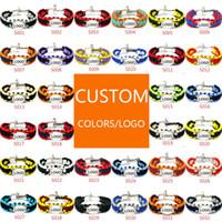 Mischungs-Art-Fußballbaseball Paracord-Überlebens-Armbänder im Freien U-Schnallenschlüsselanhänger Kampieren nach Maß Kundengebundenes Logoarmband