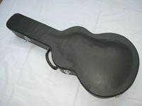전기 기타를위한 검은 단단한 기타 케이스