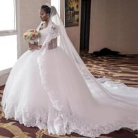 2016 Biały Koronki Tulle Afryki Suknie Piłki Suknie Ślubne z Luksusową aplikacją Zroszony V Neck Court Train Princess Gothic Bride Suknie ślubne