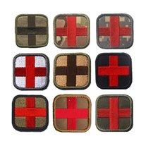 Crochet d'extérieur et fermeture à boucle Badges brodés Badges de tissu Stickers Tissu Broderie Tactique Couleur Rouge Croix Médical Patch