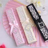 100 teile / los Personalisierte Luxuriöse Seide Falten hand Fan in Eleganten Laser-Cut Geschenkbox + Gastgeschenke / hochzeitsgeschenke + druck