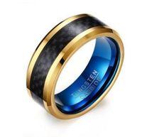 男性のジュエリーのための黒い炭素繊維が付いている結婚指輪8mmの青と金のタングステンの炭化縞輪
