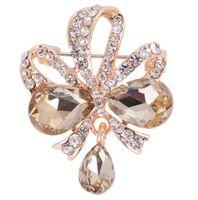 Cristal de lujo Broche de Gota de Agua Rhinestone Lleno Flor Mariposa Ramillete Mujeres Hombre Joyería Del Banquete de Boda Vestido Broches