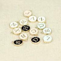 100 unids accesorios de joyería de bricolaje 4 color de aleación de esmalte letra alfabeto etiqueta charms colgante berloque para joyería haciendo CH00025