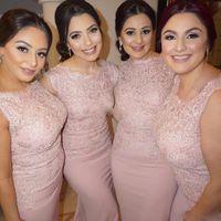 Blush Pink Plus Tamaño Vestidos de dama de honor Vintage Sirena Lace Botón cubierto Sin mangas Saten 2017 Invitado de bodas Desgaste formal Vestidos de noche