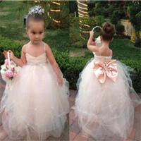 Brand New Цветочных платья девушки с Bow бретельками для Свадеб причастия Pageant платья бального платья маленьких девочек Детей / Дети платья