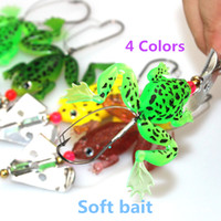 Wholesale of soft spoon fishing lure artificial bait with sequins spinnerbait bionic rubber soft frog pesca fishing accessories hooks