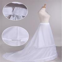 جديد وصول العروس تنورات مع قطار الأبيض 2 الأطواق طويلة اللباس الرسمي تحتية القرينول اكسسوارات الزفاف