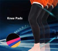 2pcs / Lot Marca Desporto Perna Pads basquete joelho mangas Men Futebol que funciona Formação Compression perna longa mangas Protector Pads R15
