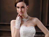 Dernier luxe blanc gants de mariage dentelle perlée gants de mariée soyeux gants de mariée 18X9cm accessoires de mariée Golve