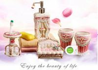 Seramik Banyo Aksesuarları Zarif 5 Parça Banyo setleri 1 sabun şişesi + 1 sabunluk + 1 diş fırçası tutucu + 2 bardak pembe renk