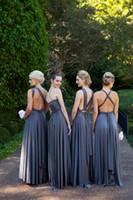 새로운 디자인 라인 바닥 길이 탄성 새틴 컨버터블 신부 들러리 드레스는 민소매로 새로운 도착 웨딩 파티 드레스를 주름 잡혔습니다.