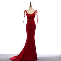 Bateau Neck Backless Lace Satin Mermaid Abendkleider mit langen Ärmeln Sweep Zug Abendkleider Rot