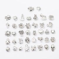 40 stilar stort hål lösa pärlor charms mode silver metall europeisk skalle kvadratpärlor för armband halsband smycken gör grossist