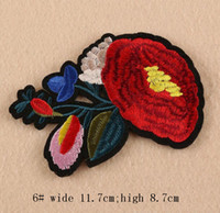 Novo ferro em patches diy adesivo bordado adesivo para roupas roupas tecidos sewing camellia rosa galho de flores