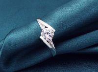 패션 화이트 실버 도금 반지 합성 보석 신부의 결혼 반지 여성용 숙 녀 매력적인 보석 선물