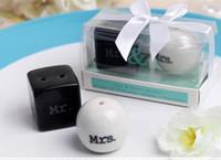 Cube Cylindre En Céramique M. Mme Sel et Poivrière Blanc Noir Shaker Cuisine Outils Faveurs De Mariage Faveur De Mariage Cadeau 100 ensembles (2 pcs / ensemble)