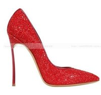 2017 المرأة بريق أحمر عالية الكعب مطرزة القماش مضخات أحذية الزفاف السيدات بوينت تو مضخات كعب رقيقة المصارع الصنادل مثير حزب حذاء