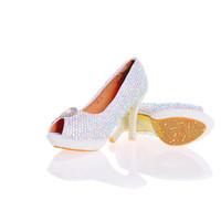 2017最新のデザイナーエレガントなABクリスタルピープ目のナイトクラブラインストーン白真珠の花嫁の結婚式の靴手作りスティレット女性の靴