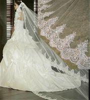 Nouvelle arrivée une couche dentelle bord long voile de mariage 3 mètres blanc voile de mariée en ivoire avec peigne de mariée accessoires