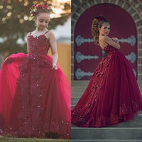 2020 الأميرة بورجوندي زهرة فتاة فساتين لحفلات الزفاف السباغيتي حزام الرباط يزين مطرز الفتيات اللباس الرسمي الاطفال حفلة موسيقية بالتواصل أثواب