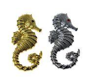 2pieces 3d جودة معدنية شعار شارة ملصق مع الحصين شعار اللون الفضة / الذهب لجميع صانعي السيارات الديكور diy