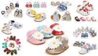 Le meilleur cadeau pour bébé! 12 paires / lot (peut mélanger des styles et des tailles) Vente chaude Style Summer Chaussures de bébé Mode Bébé Sandales Summer Baby Footwear