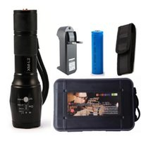 Lanterna CREE XM- L2 6000LM Tactical Flashlight Torch Zoom Li...