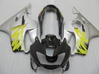 تخصيص مجموعات حقن هدية لهوندا CBR600 F4 1999 2000 الفضة نفطة دراجة نارية سوداء مجموعة CBR 600 F4 99 00