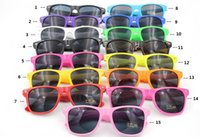 500pcs Hot Sale Classic Style beach Sunglasses Fashional Sun...