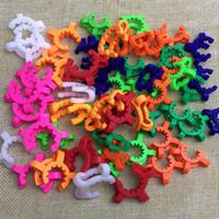 14mm 19mm Kunststoff Keck Clip K-Clips Labor Lab Clamp Clip Kunststoff-Verschluss für Glas Bongs Wasserpfeifen Adapter Nectar Collector