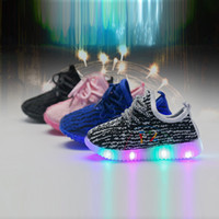 Bebé Niñas entrenador niño tenis LED Light Shoes Toddler Anti-Slip Sports Boots Niños Zapatillas Niños Dibujos animados Pisos niño zapatos envío gratis