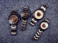 Vestido de pareja Vestido Fashionl Hombres Mujeres Relojes Envío de la gota Venta caliente Crazy Japan Harajuku Reloj pulsera regalo