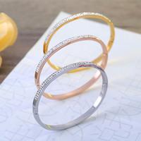 أعلى جودة العلامات التجارية الشهيرة مجوهرات للنساء حفل زفاف الكريستال المقاوم للصدأ أساور أفضل هدية لعيد الميلاد