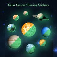 Großhandel 9 Teile / satz Sonnensystem Glowing Wandaufkleber für Kinderzimmer Leuchtende Raum Planeten Wasserdichte Wandtattoo