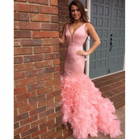 Robe de bal rose sirène 2017 Robes De Festa col en V À volants Dos Nu Robe De Bal Plus Taille Mode robes de soirée