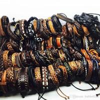 Vente chaude 100 pcs / Lots Vintage Mix Styles En Cuir Manchette Bracelets Pour Hommes Femmes Poignet Bijoux Taille réglable