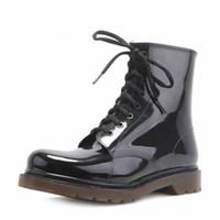 2016 nuovi uomini di moda scarpe stivali da pioggia nero Martin stivali da  pioggia scarpe impermeabili stivali da pioggia Matt Rainday acqua uomini  moda ... b979312c161