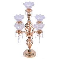 Top rated 1 grup = 12 adet kristal kolyeler ile 5-arms metal Altın candelabras düğün mumluk Olay merkezinde