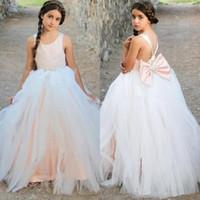 Custom made beyaz tül balo elbisesi çiçek kız elbise yay ile boncuklu backless doğum günü partisi törenlerinde düğün için